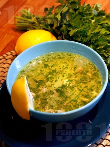 Класическа домашна пилешка супа с картофи, фиде и застройка - снимка на рецептата